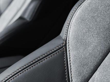 SUV PEUGEOT 3008 HYBRID4: tecidos Alcantara® cinzento Gréval